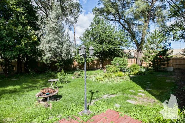 2 Bedrooms 1 Bathroom Apartment for rent at 3018 N Whipple St in Chicago, IL