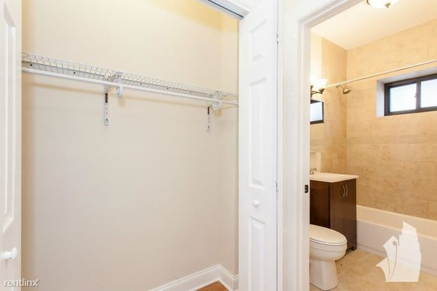 Studio 1 Bathroom Apartment for rent at 4601 N Lincoln Ave in Chicago, IL