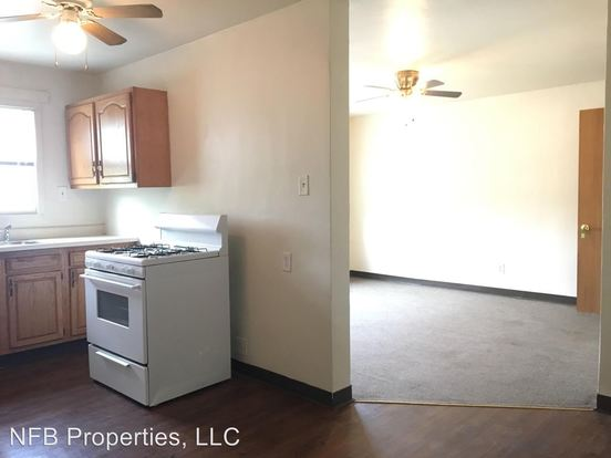3 Bedrooms 1 Bathroom Apartment for rent at 414 East Lincoln Ave in Mcdonald, PA