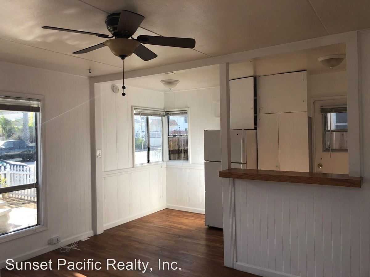 1 Bedroom 1 Bathroom Apartment for rent at 5018-5024 1/2 Cape May Avenue in San Diego, CA