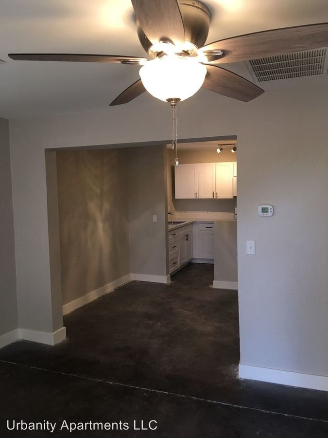 2 Bedrooms 1 Bathroom Apartment for rent at 4249 North 17th Street in Phoenix, AZ