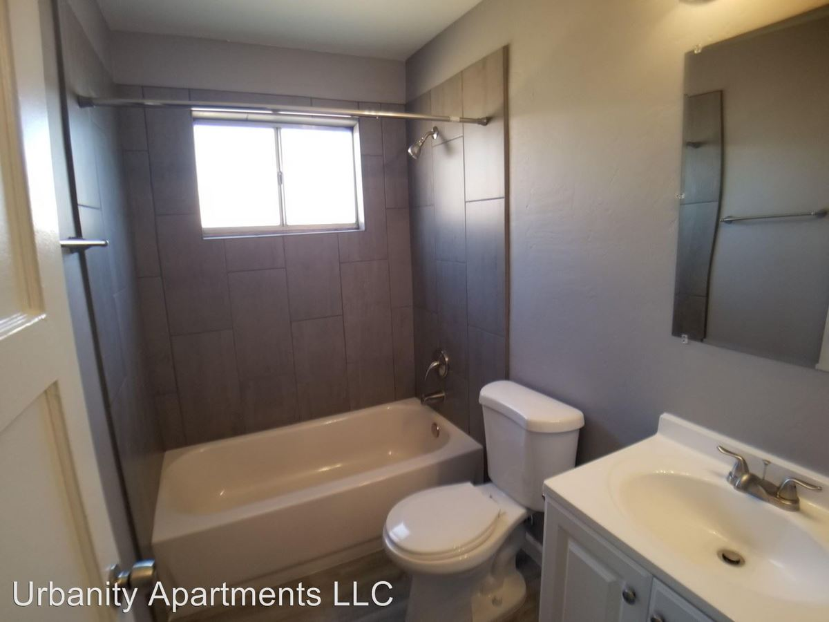 1 Bedroom 1 Bathroom Apartment for rent at 1102 - 1110 E Turney Ave in Phoenix, AZ