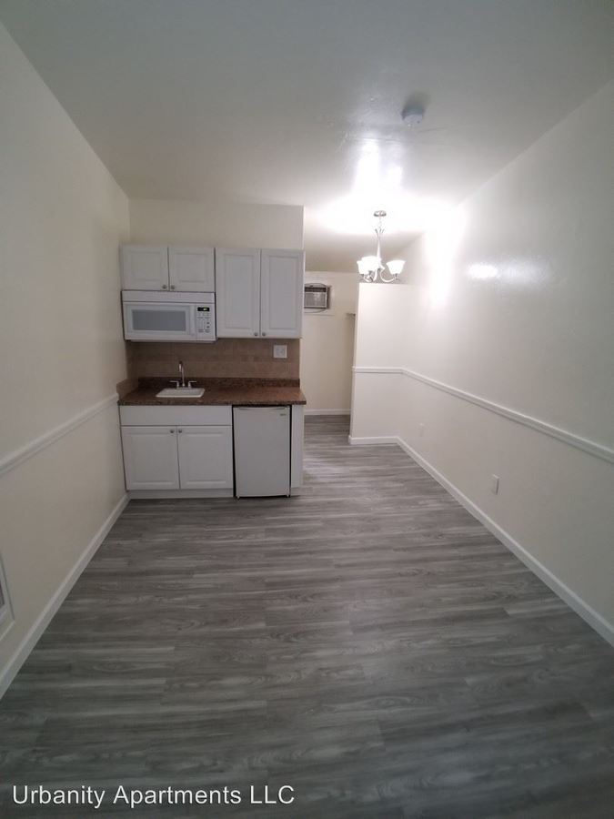 Studio 1 Bathroom Apartment for rent at 1102 - 1110 E Turney Ave in Phoenix, AZ