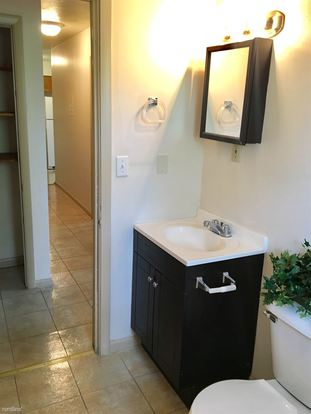 2 Bedrooms 1 Bathroom Apartment for rent at Shamrock Apartments in Indianapolis, IN