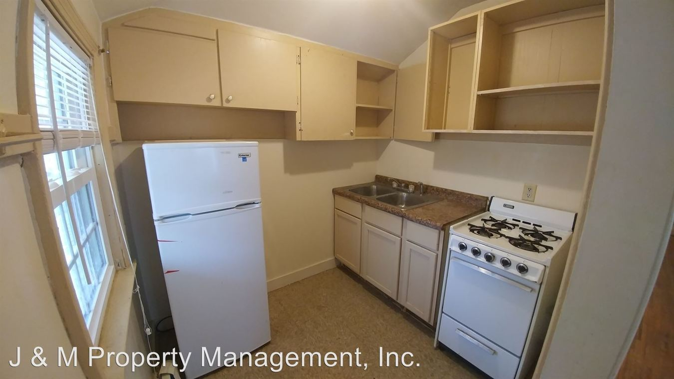 Studio 1 Bathroom Apartment for rent at 2715 Stone Park Place in Sioux City, IA