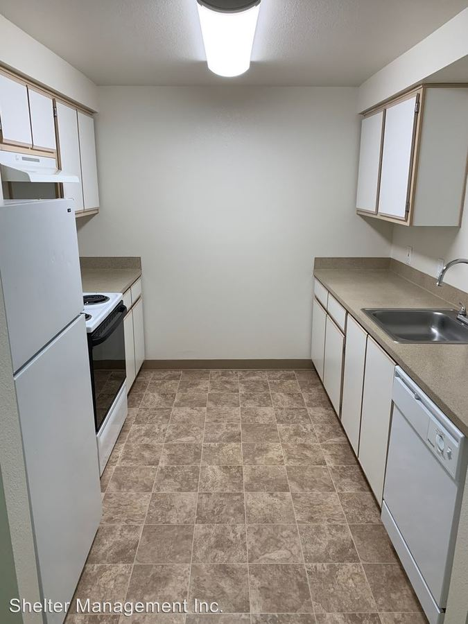 2 Bedrooms 2 Bathrooms Apartment for rent at Cozine Creek Apartments 1800 Sw Old Sheridan Road in Mcminnville, OR