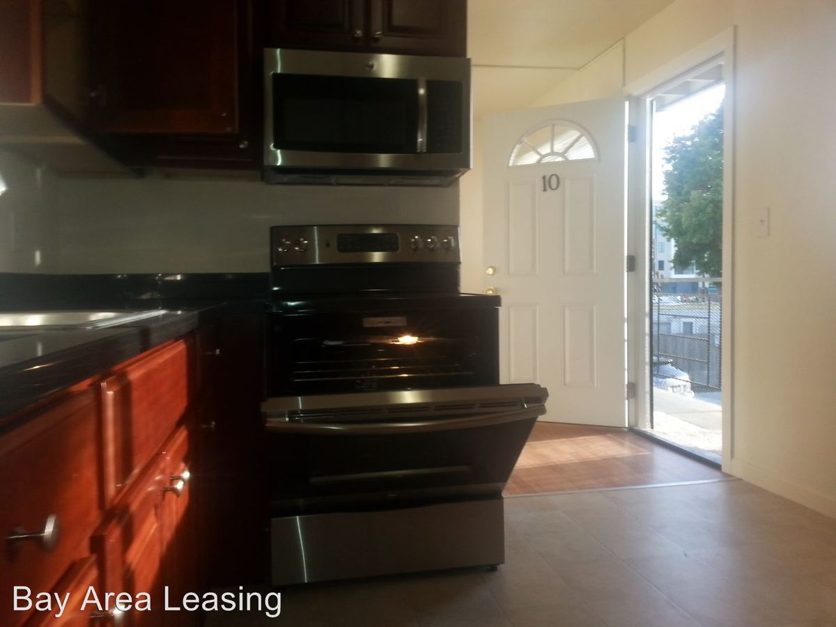 2 Bedrooms 1 Bathroom Apartment for rent at 1917 Sixth St 11 in Berkeley, CA