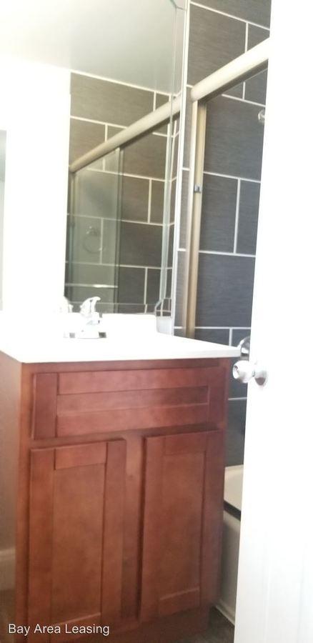 1 Bedroom 1 Bathroom Apartment for rent at 1654 Dwight Way in Berkeley, CA