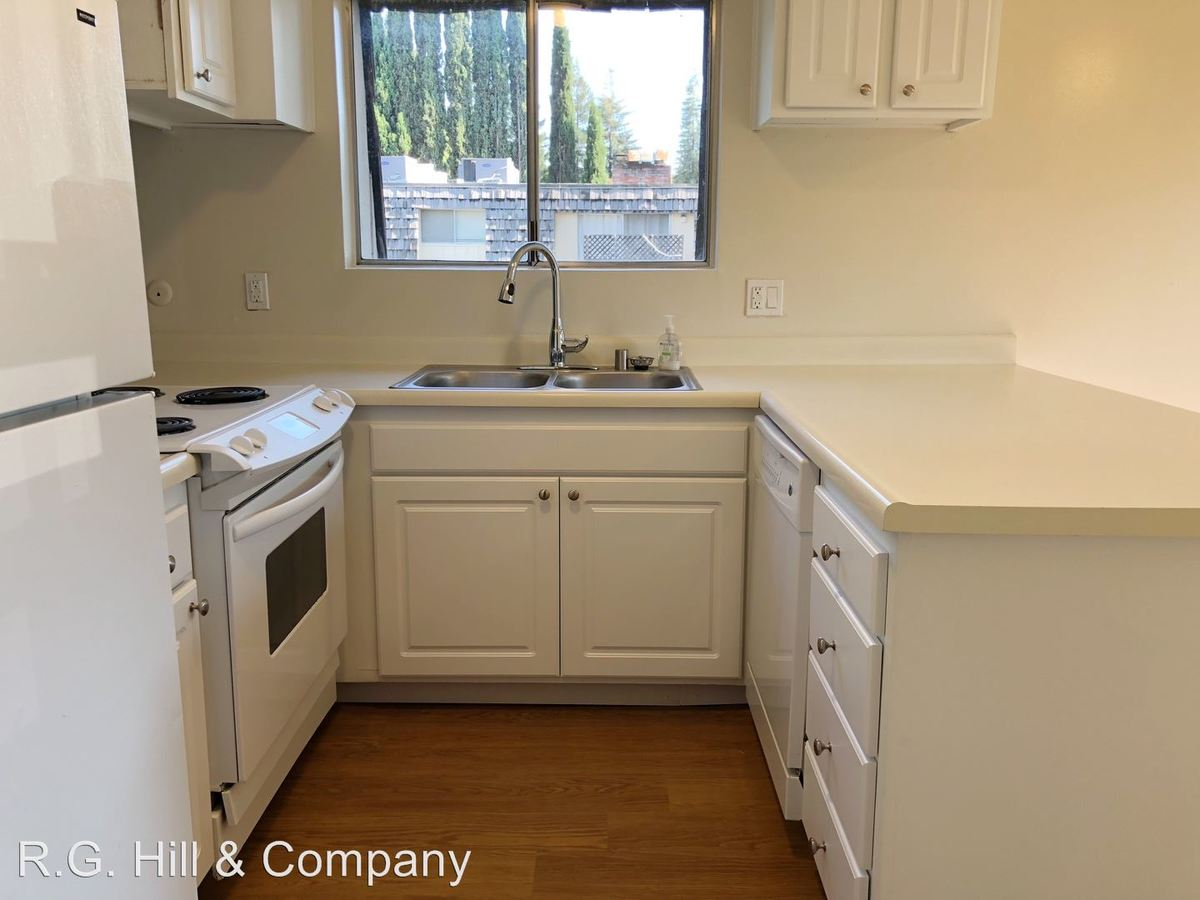 3 Bedrooms 2 Bathrooms Apartment for rent at 2720 Jones Road in Walnut Creek, CA