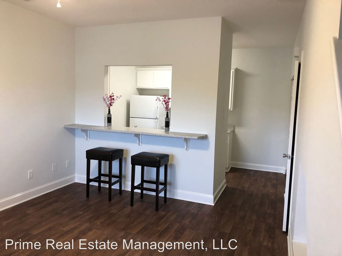 2 Bedrooms 1 Bathroom Apartment for rent at 4505 Prior Drive in Wilmington, NC