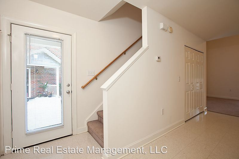 2 Bedrooms 2 Bathrooms Apartment for rent at 4505 Prior Drive in Wilmington, NC