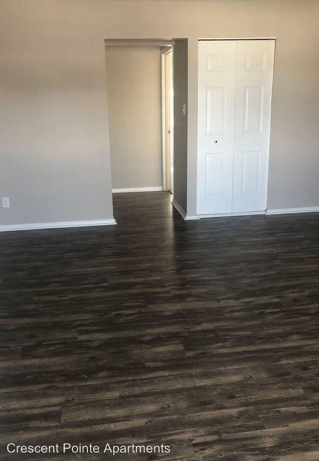 1 Bedroom 1 Bathroom Apartment for rent at 621 Crescent Dr Apt. 14 in Champaign, IL