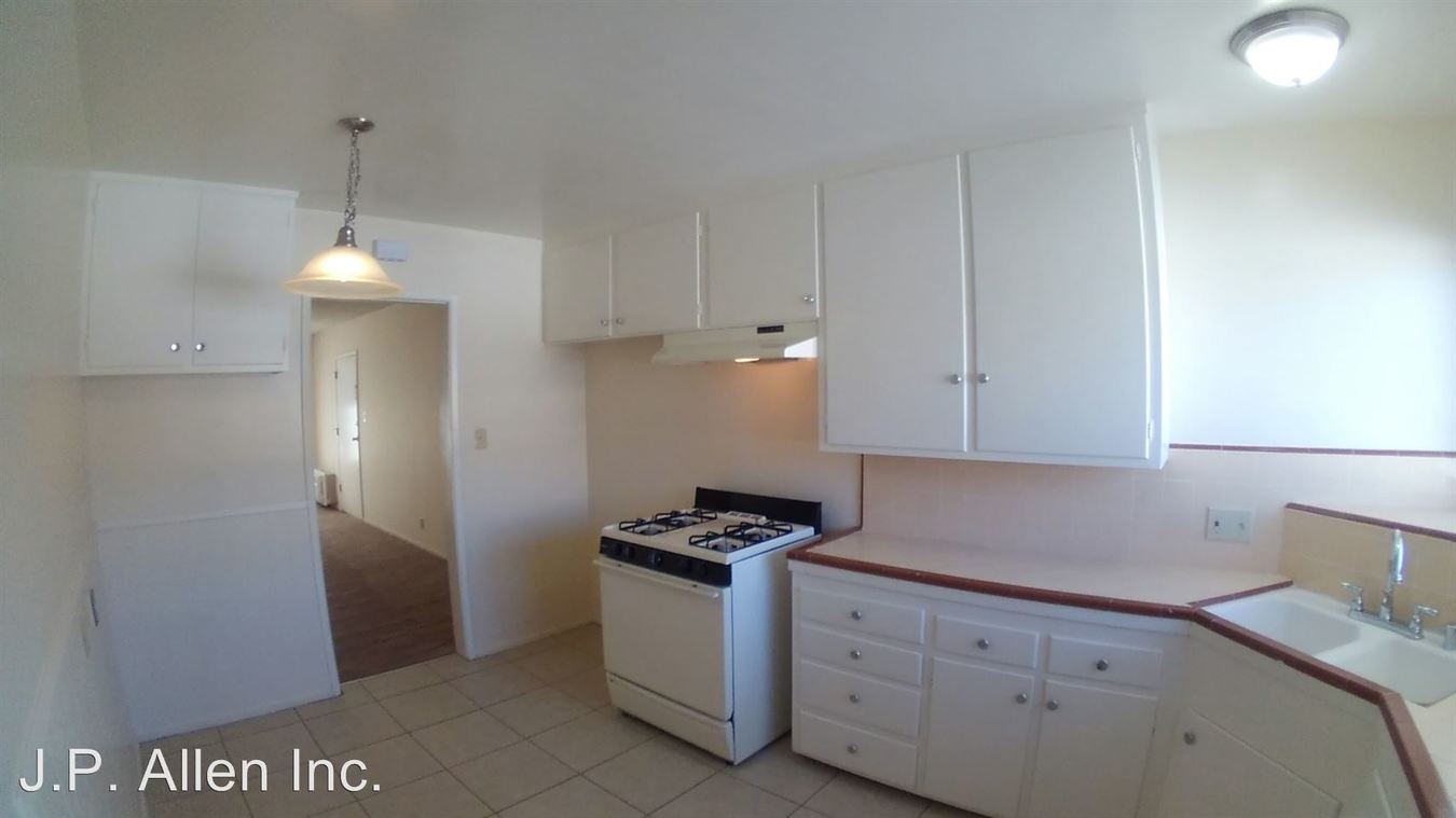 2 Bedrooms 1 Bathroom Apartment for rent at 365 W. Doran St. in Glendale, CA