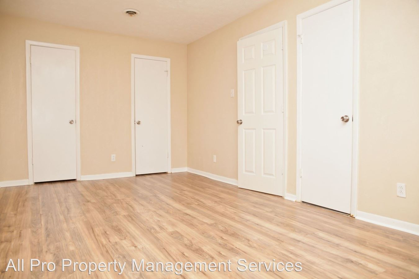 2 Bedrooms 1 Bathroom Apartment for rent at 2810 Daybreak Way in Strawberry Plains, TN