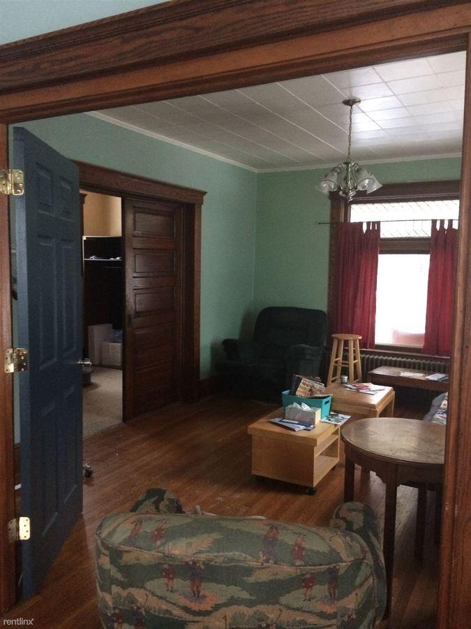 Studio 1 Bathroom House for rent at 827 W Huron St in Ann Arbor, MI