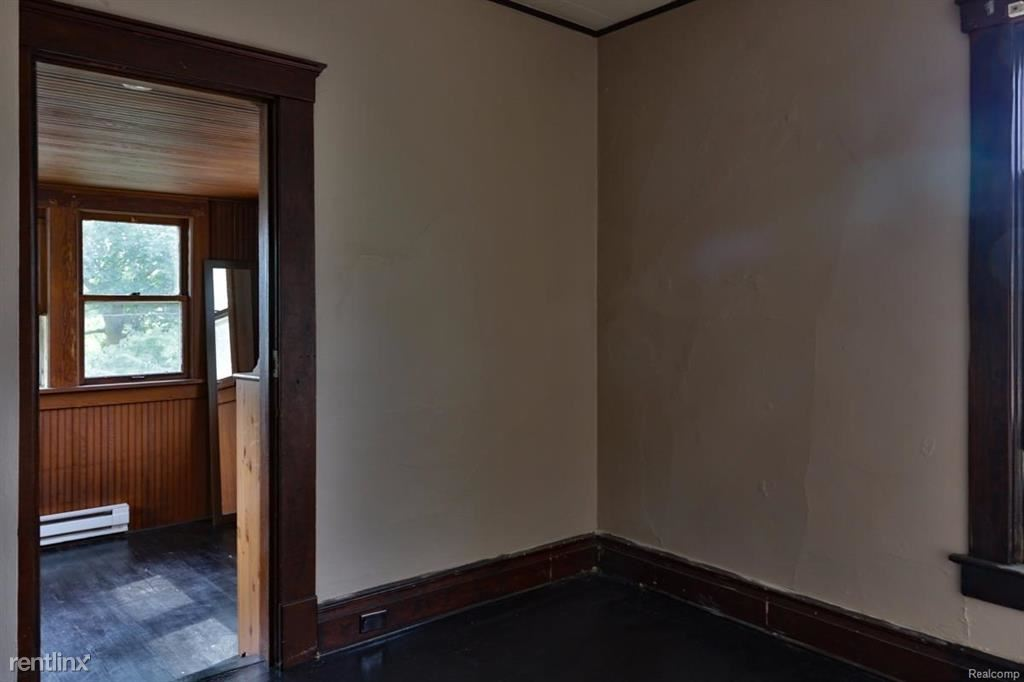 1 Bedroom 1 Bathroom House for rent at 827 W Huron St in Ann Arbor, MI