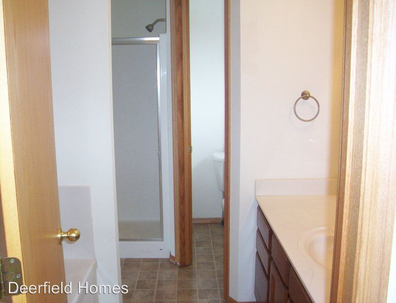 2 Bedrooms 2 Bathrooms Apartment for rent at 2404-3288 W. Deerfield in Springfield, MO