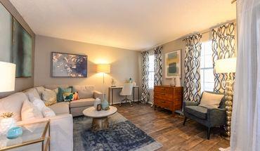 Similar Apartment at Barrington Hills
