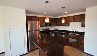 Similar Apartment at 822 East Washington Avenue