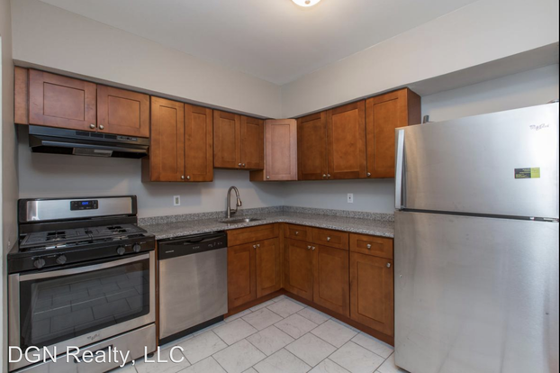 3 Bedrooms 1 Bathroom Apartment for rent at 7057 Cresheim Rd in Philadelphia, PA