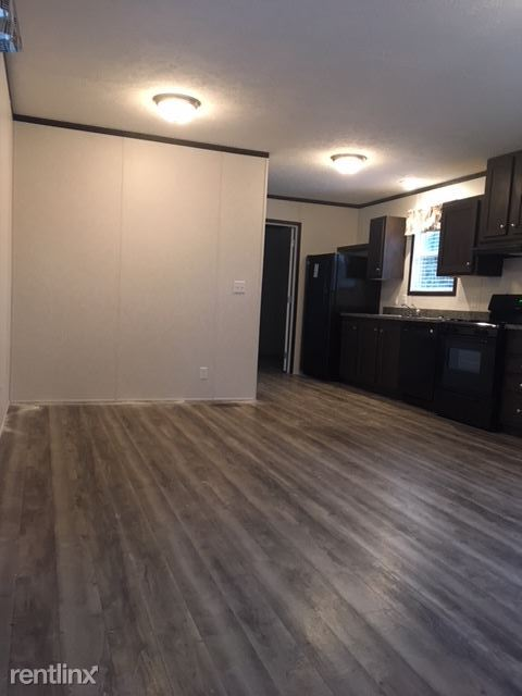 2 Bedrooms 2 Bathrooms House for rent at Sherwood Village in Canton, MI