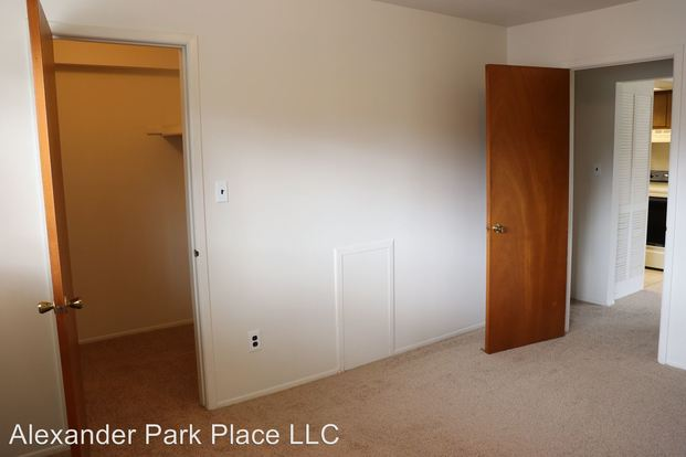 1 Bedroom 1 Bathroom Apartment for rent at 31134 Pardo St in Garden City, MI