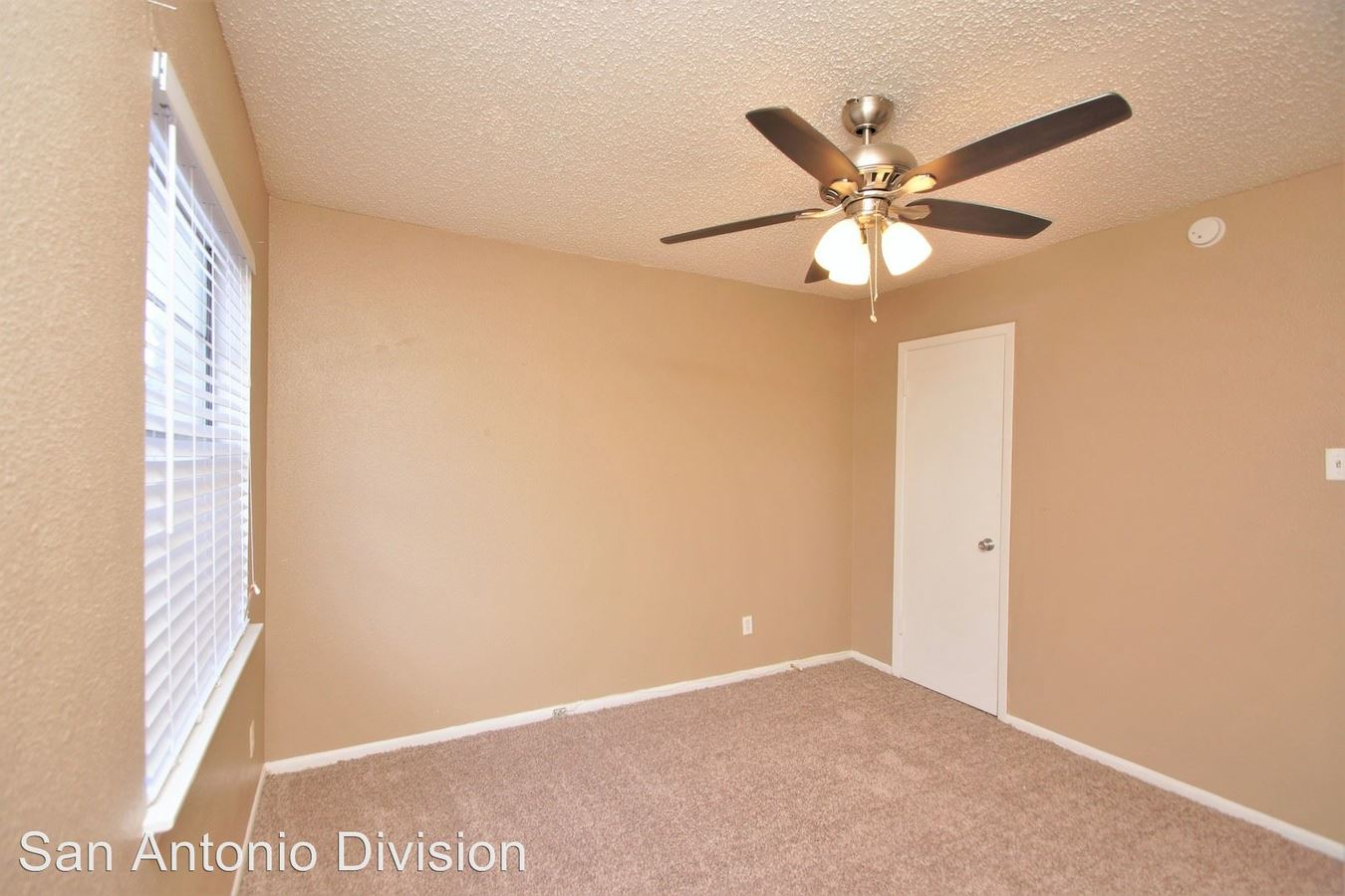 4 Bedrooms 3 Bathrooms Apartment for rent at 9526 Contessa Dr. in San Antonio, TX