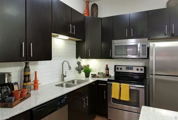 1 Bedroom 1 Bathroom House for rent at 1505 Town Creek Dr in Austin, TX