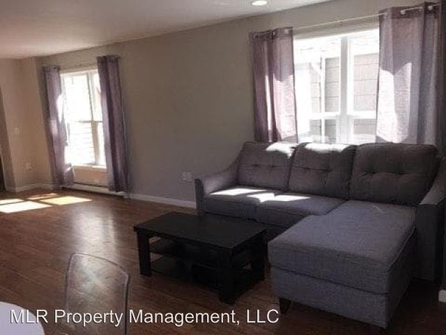 3 Bedrooms 1 Bathroom Apartment for rent at 605 S Aurora St in Ithaca, NY