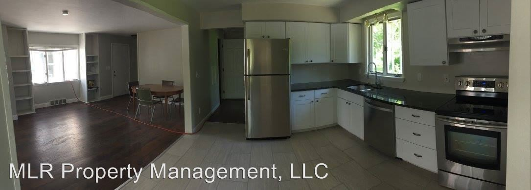 4 Bedrooms 2 Bathrooms Apartment for rent at 605 S Aurora St in Ithaca, NY