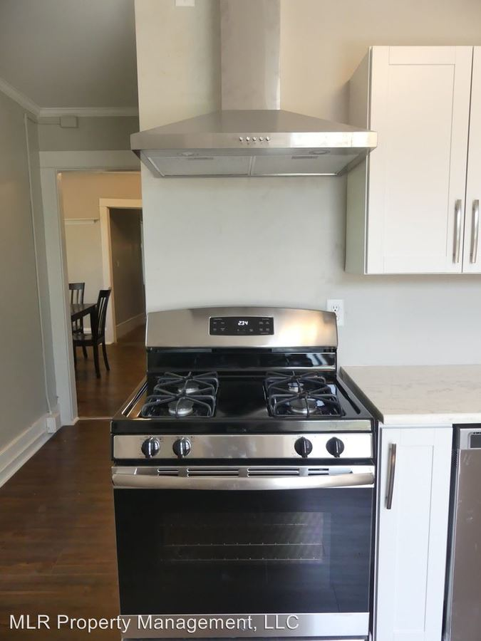 6 Bedrooms 2 Bathrooms Apartment for rent at 609 E State St in Ithaca, NY