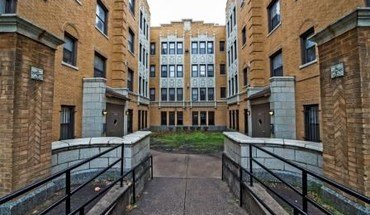 7316 S Jeffery Blvd Apartment for rent in Chicago, IL