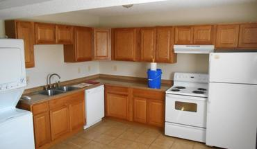 1382-1382 1/2 Indianola Ave Apartment for rent in Columbus, OH