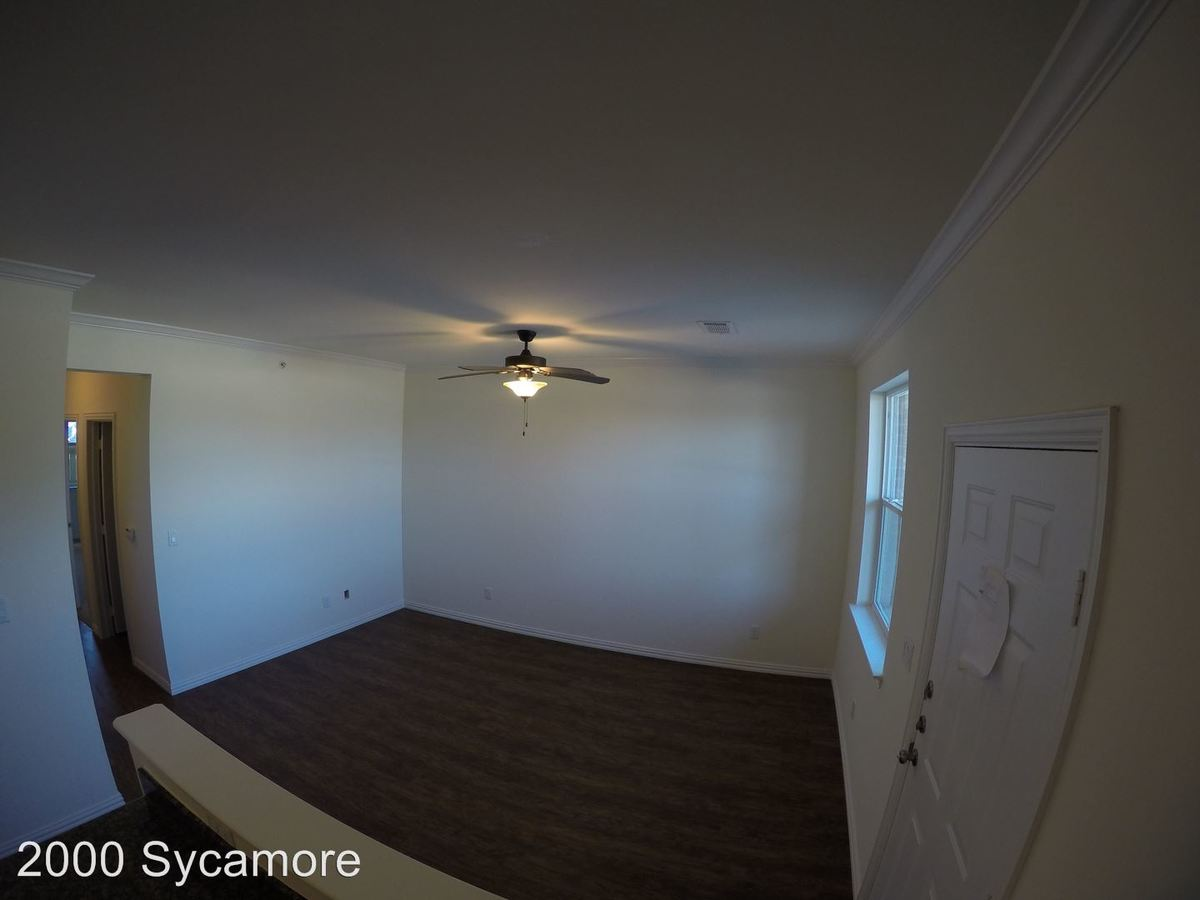 2 Bedrooms 2 Bathrooms Apartment for rent at 2000 Sycamore in Huntsville, TX
