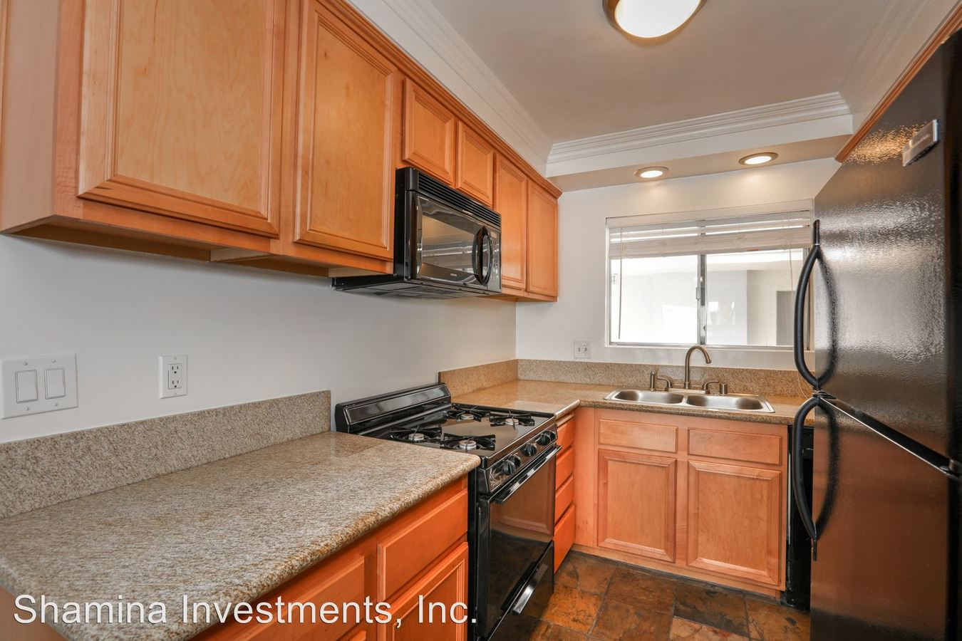 2 Bedrooms 2 Bathrooms Apartment for rent at 1030 N. Orange Grove Ave. in West Hollywood, CA