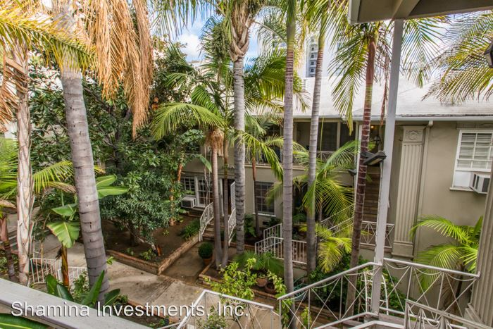 1 Bedroom 1 Bathroom Apartment for rent at 8563-8569 Holloway Dr. in West Hollywood, CA