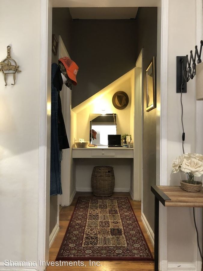 Studio 1 Bathroom Apartment for rent at 963 N. Doheny Dr. in West Hollywood, CA