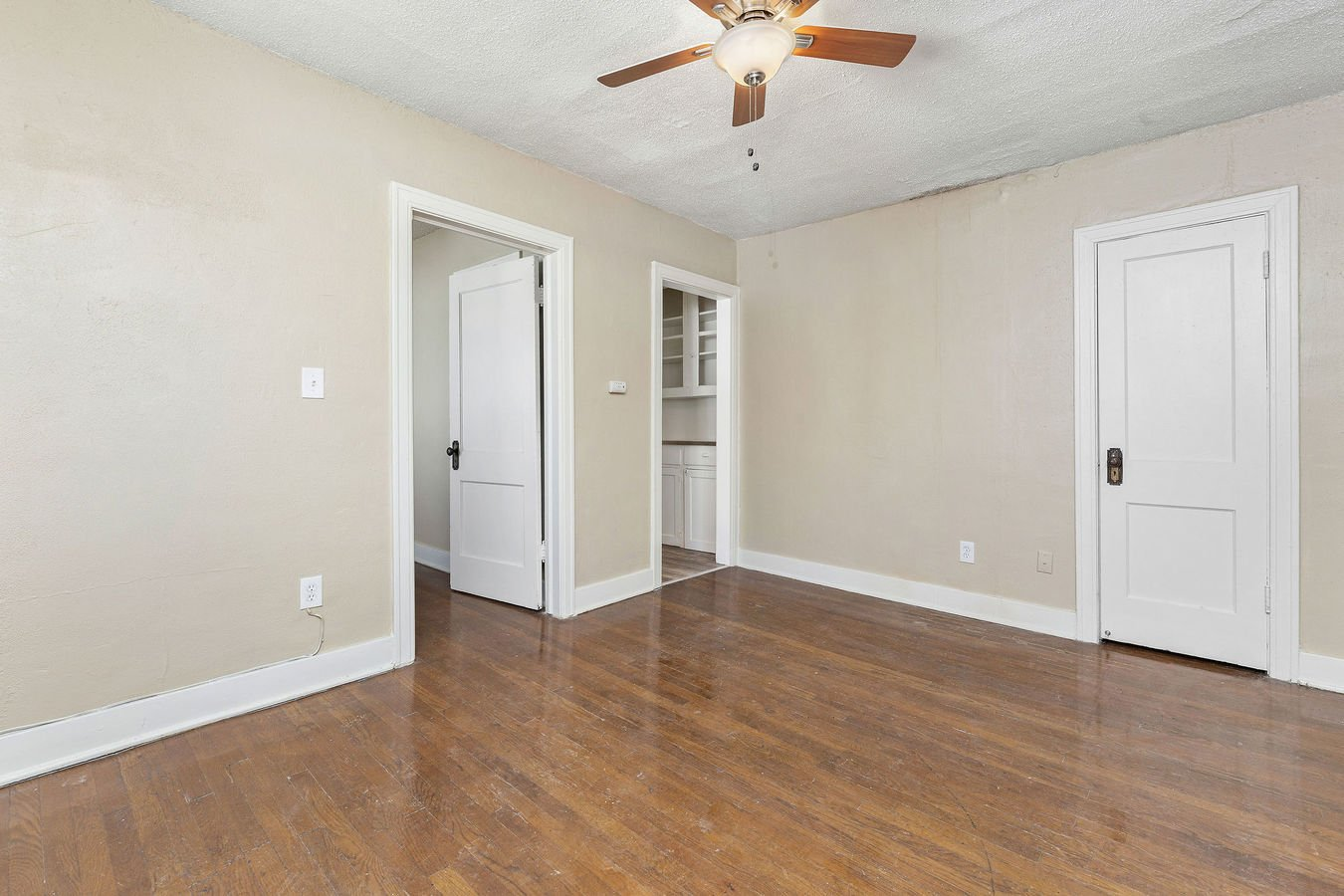2 Bedrooms 1 Bathroom Apartment for rent at Charlotte in Kansas City, MO