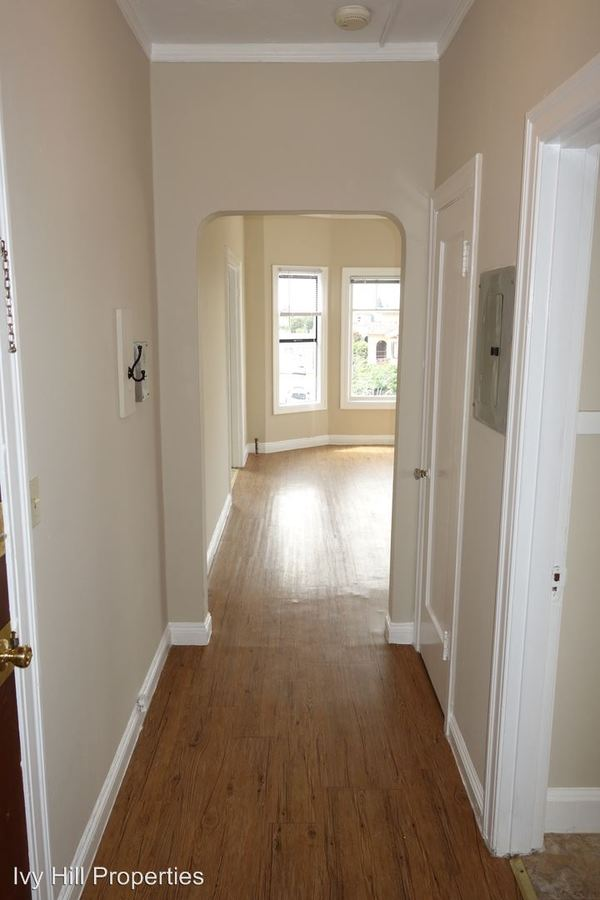 1 Bedroom 1 Bathroom Apartment for rent at 2430 8th Avenue in Oakland, CA
