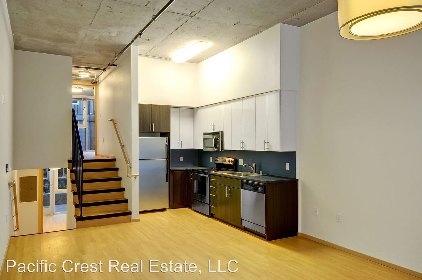 2 Bedrooms 1 Bathroom Apartment for rent at 201 W Harrison Street in Seattle, WA