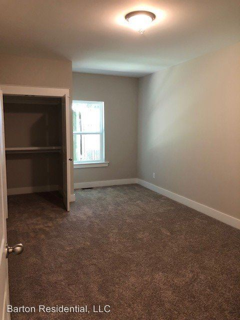 2 Bedrooms 1 Bathroom Apartment for rent at 702 N Church St in Murfreesboro, TN