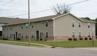 106 S Walnut Apartment for rent in Normal, IL