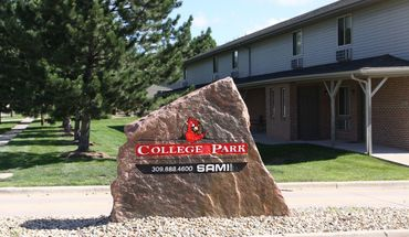 College Park Apartment for rent in Normal, IL