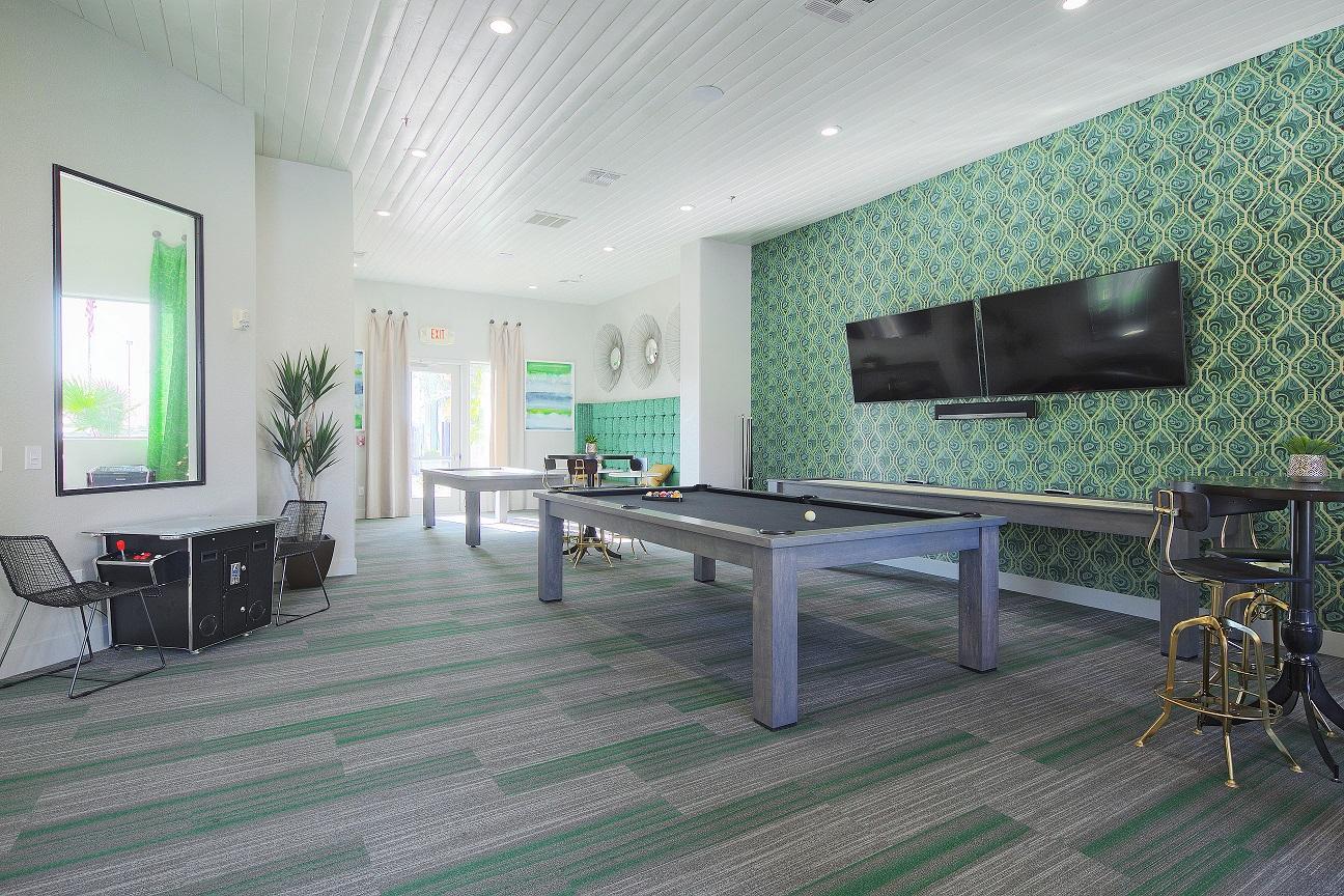 Apartments Near Thunderbird Enclave At Arrowhead for Thunderbird School of Global Management Students in Glendale, AZ