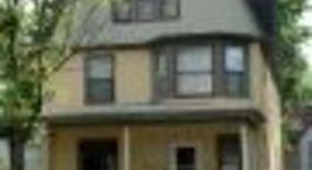 Similar Apartment at 808 Packard St