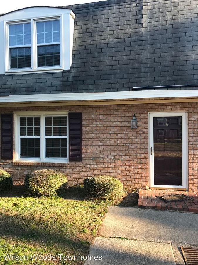 3 Bedrooms 2 Bathrooms Apartment for rent at 1706-b Vineyard Drive in Wilson, NC