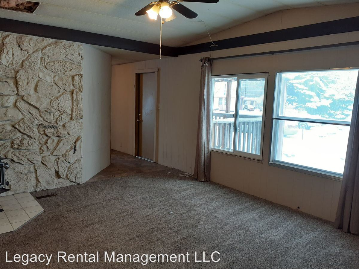 2 Bedrooms 1 Bathroom Apartment for rent at 340 N 12th West in Rexburg, ID