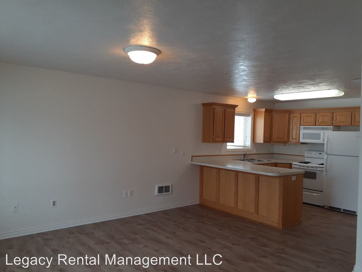 2 Bedrooms 1 Bathroom Apartment for rent at 885 Andrews Place in Rexburg, ID