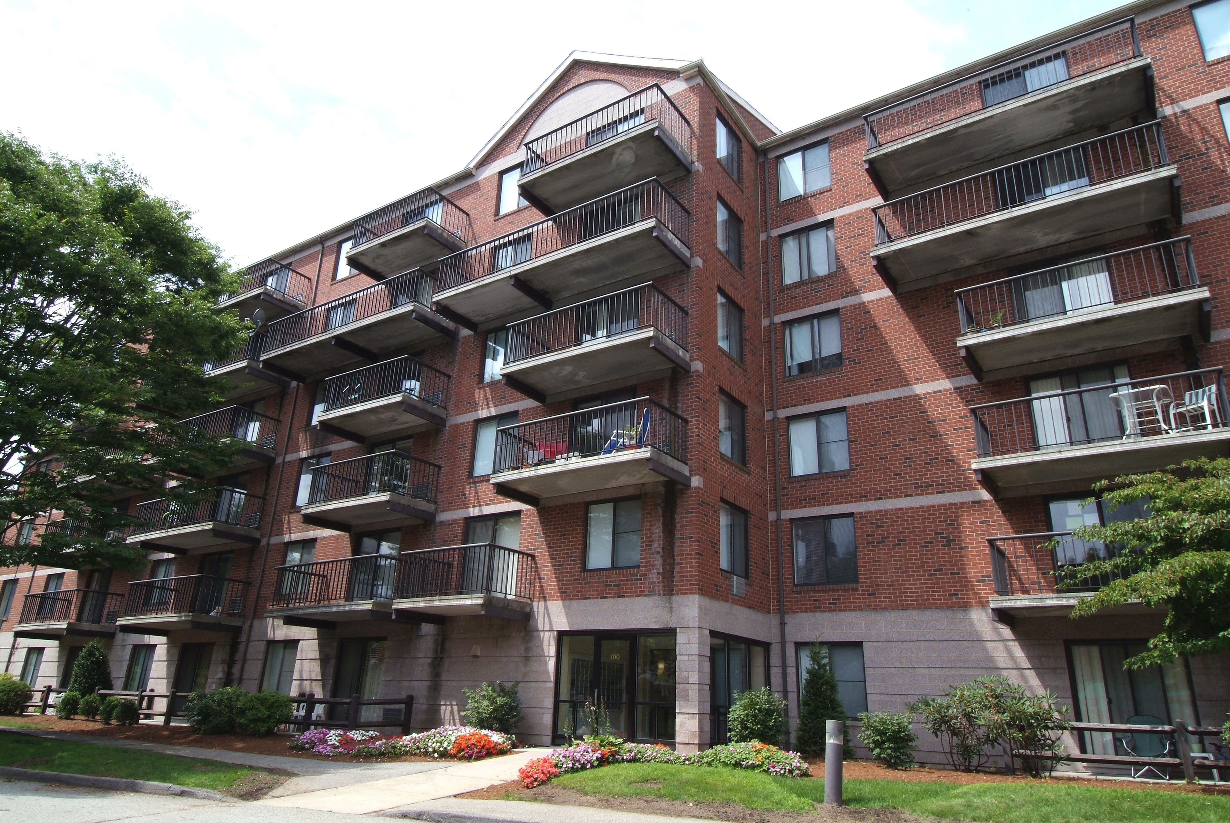 Apartments Near New Hampshire Andover Place for New Hampshire Students in , NH