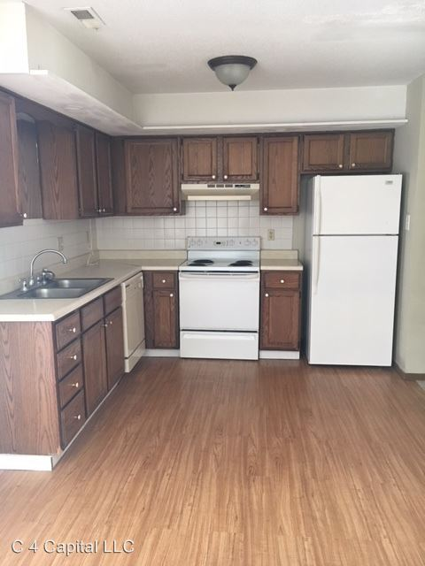 2 Bedrooms 1 Bathroom Apartment for rent at 1720 Amelia St in Columbia, MO
